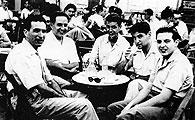 Jovent a la terrassa del Fraternal els anys cinquanta